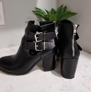 👢STEVE MADDEN BLACK ANKLE BOOTS